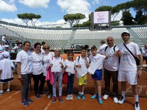 Brolo – Racchette di Classe promosso dalla FIT e realizzato in collaborazione tra il Circolo Tennis Brolo,gli Istituti Comprensivi di Brolo e Gioiosa Marea