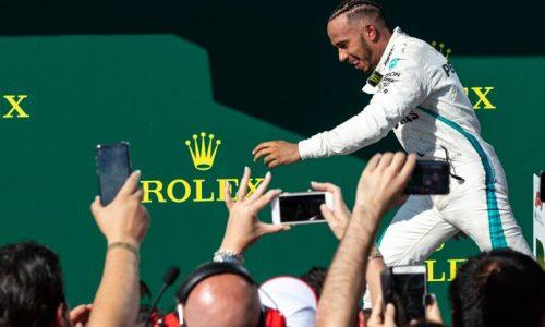 Formula Uno – Lewis Hamilton vince e resta primo con un vantaggio di 24 punti!