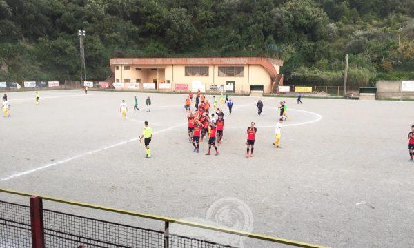 """Un Sinagra di """"rigore"""" fa suo il derby con il Rocca di Capri Leone"""