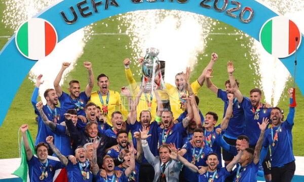 L'Italia è campione d'Europa, battendo 4-3 l'Inghilterra ai rigori nella finale di Wembley